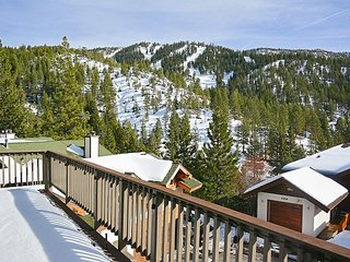 Swiss Kiss: Incline Village Lodge w/ Fabulous Diamond Peak Views - Near Beach