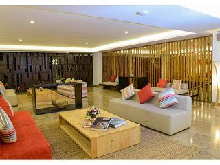 One Deluxe Room And Brteakfast+Wifi with Pool
