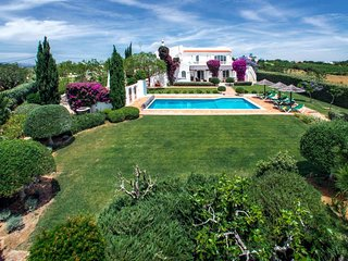 CASA PARRA High-quality villa, private pool (heatable), garden, AC, WiFi