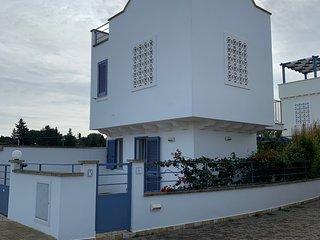 VILLA IMMA - Casa vacanze 6 posti letto vicina pochi centinaia metri dal mare