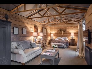 Luxury barn conversion near London