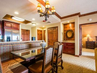 *FREE SKI RENTAL* Perfect Ski-In/Ski-Out w Luxury Amenities! 2 King Beds, Firepl