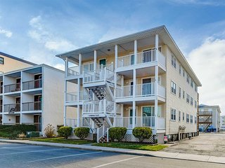 Beautiful Ocean Block Condo 140th street close to many attractions