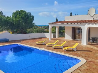 Magnificent villa furnished to very high standard with large pool & ocean views
