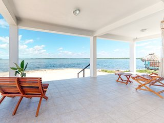 Waterfront home with private deck, hammock, in quiet area and great views