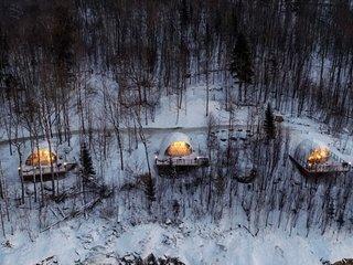 Bel Air Tremblant. 8 minutes from ski resort