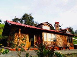 Casa La Kocha (Rural Cabin / Hostal / Cottage un Laguna de la Cocha)