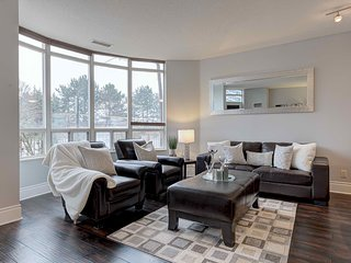 1BR Furnished Suite, Square One, Mississauga