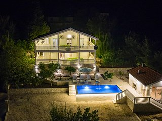 Nice home in Herceg Novi w/ Outdoor swimming pool, Sauna and 4 Bedrooms (MNH151)