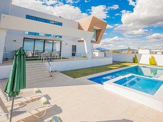 Cubo's Villa Quinsinart