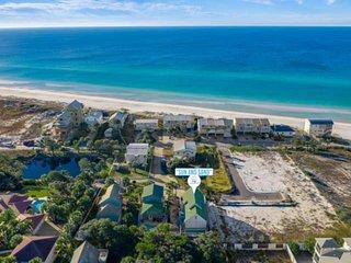 Private Pool--Gulf Views-Family Friendly-100 Yards to Beach!!