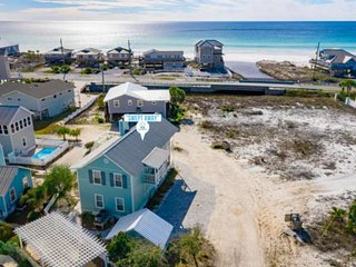 Brand New Rental-Beautifully Renovated!! Gulf and Lake Views! Steps to the Beach