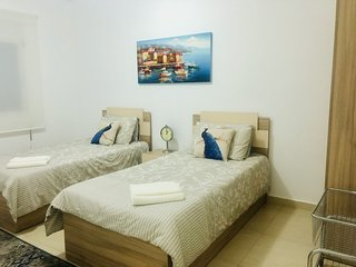 Entire Apt/Aamchit Jbeil/1st Flr/Sleeps upto8+Baby