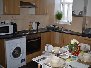 LUXURY APARTMENT CARDIFF CENTRAL