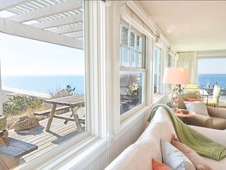 #210: Breathtaking views, private beach, updated and modern!