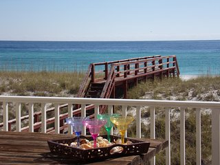 Beach front 4 bedroom with elevator availability....Bright Sands!