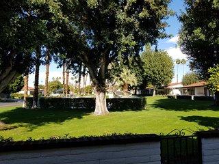 LEO4 - Rancho Las Palmas Country Club - 2 BDRM, 2 BA
