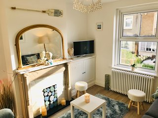Seascape Cottage, The Perfect Seaside Holiday Home, Ventnor