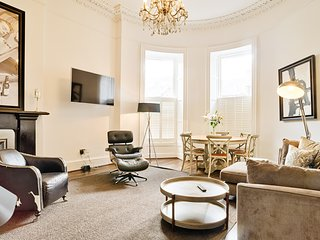 Luxury George Street Apartments: Edinburgh Suite (3-bed)