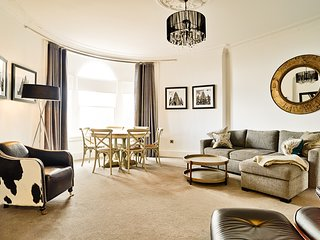 Luxury George Street Apartments: Forth Suite (2-bed)