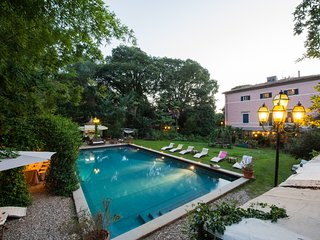Eclectic noble villa with private swimming pool between Pisa and Lucca