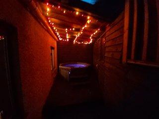 The wee nunnery . Hot tub, sauna and home cinema screen