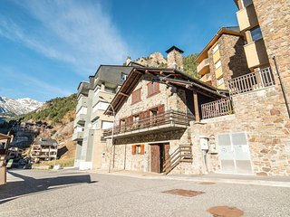 Chalet for 14 / 16 pers, ideal for ski, trekking, relax ...
