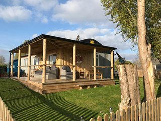 Creek Cabin, Humberston Fitties