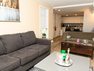 1800SQFT MIDTOWN NYC LUXURY 3BR 2BA DUPLEX, 1000sqft PRIVATE TERRACE 7BEDS 12PPL