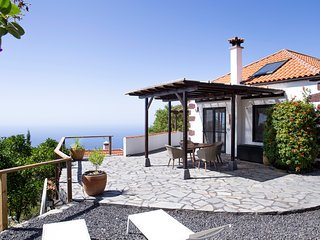 Beautiful sunny house with stunning mountain and sea view and exotic garden