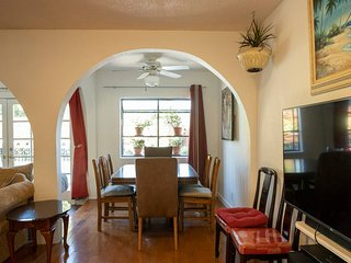 Private home, heated pool, monthly southern Ca centrally located fun attractions