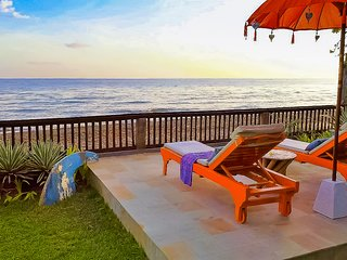 Villa Barat - All-Inclusive, Oceanfront Villa at The Mahalani