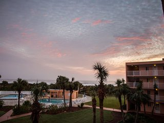 Updated, Clean, Well-Stocked Vacation Condo, BEAUTIFUL Ocean View! Check it out!