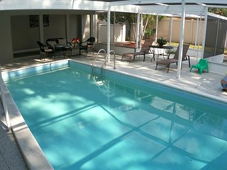 CLEARWATER GETAWAY HOME 3BED 2BATH WITH POOL