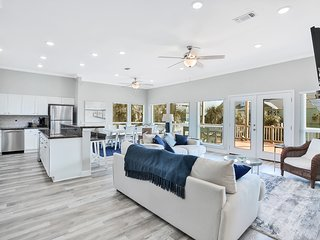 Newly remodeled ocean view home w/direct beach access!