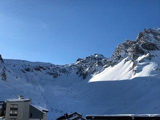 5 person studio apartment, center Val Claret, close to ski slopes,Tignes, France