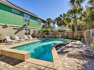 'Nivel Del Mar' w/ Heated Saltwater Pool & Hot Tub