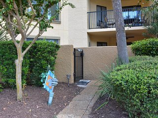 $100 NT Winter Special! 2 BD/2BA Condo at South Forest Beach