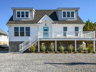 Bayside Beauty, Brand New Rental - 2.5 blocks to the beach!