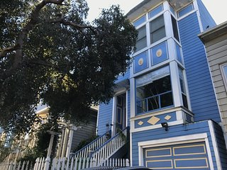 AMAZINGLY PERFECT S.F. Vacation Rental in super neighborhood (4-BR, sleeps 6+)