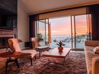 Dream Villa with Exceptional Views-Prime Location