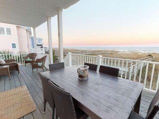 Oceanfront House, Large Ocean View Decks, Pet Friendly, Private Beach Access, 5