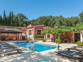 Sa Taulera - secluded 5 bed villa for 10-12 with private pool in small village