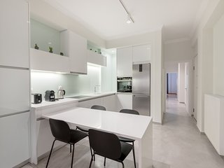 Modern and Clean apt for 6