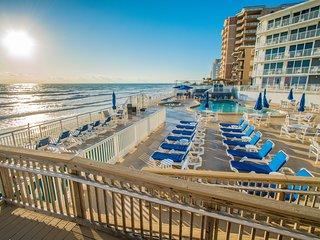 Daytona Beach Shores - Beachfront - Wow!