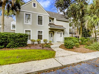 Dog-friendly townhouse w/ golf course views, shared pool & more - beach nearby!