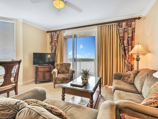 Spacious condo with Lake View, private balcony and close to Disney World