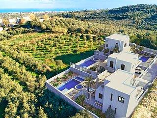 Minoas Villas Private Heated Pool