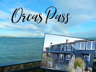 Enjoy Breathtaking Panoramic Views at this Lovely Beachfront Property in Diamond