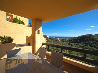 Coto Real Naxos - Sea Views 2BR Apartment in Manilva, Pool, Wifi